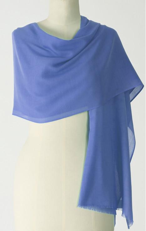 Великолепен лек шал
