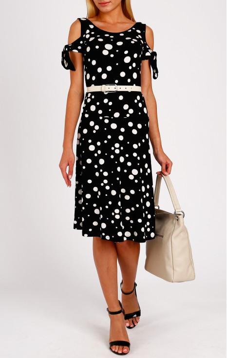 Ефектна рокля с ниска талия