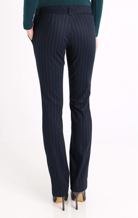 Елегантен панталон в цвят индиго
