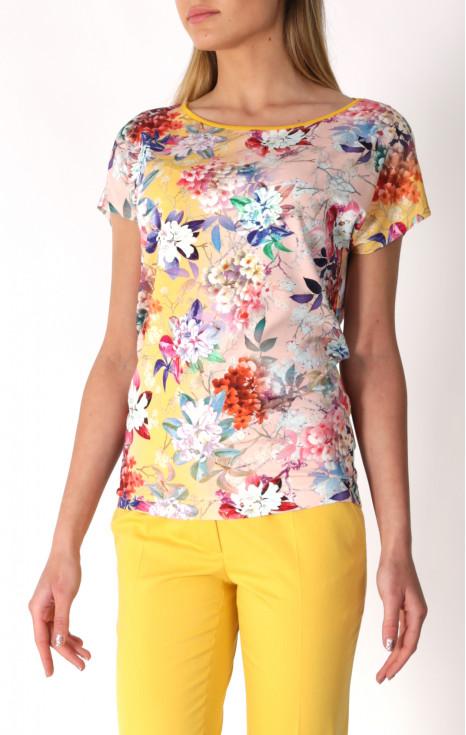 Атрактивна блуза в свеж принт