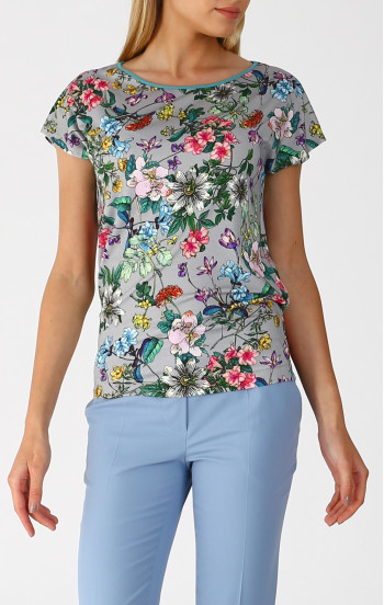 Атрактивна блуза в свободен силует