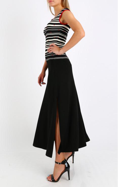 Елегантна рокля от еластична трикотажна материя