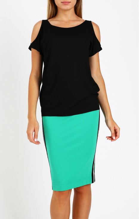 Блуза с ефектни срязвания на раменете