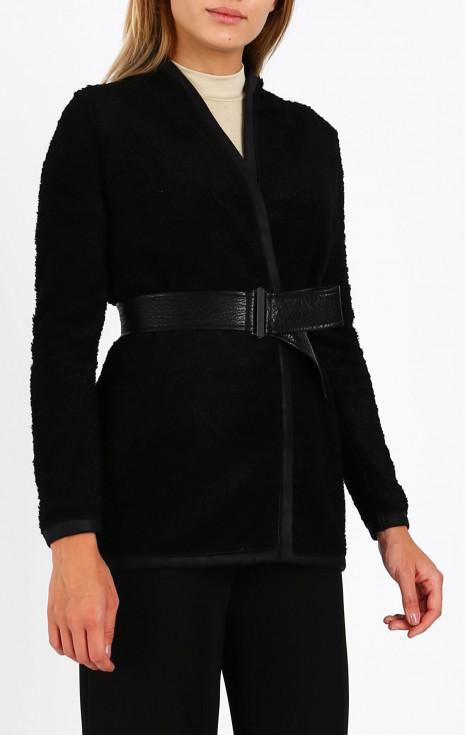 Елегантна плетена жилетка