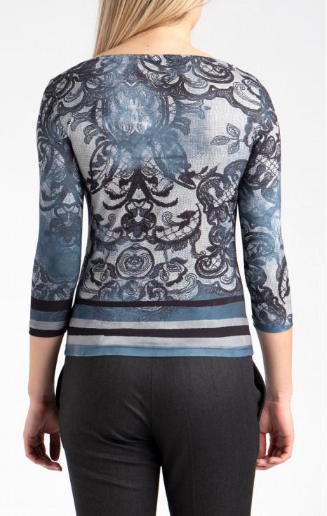 Стилна блуза с ефектно деколте