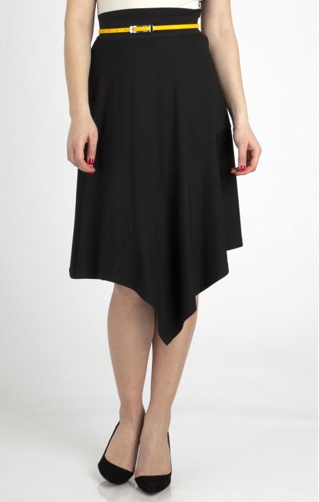 Елегантна пола с асиметрична дължина