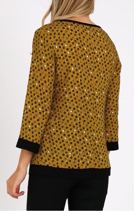 Елегантна блуза в свободен силует