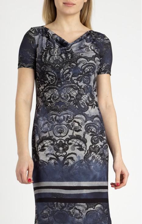 Права рокля с гръцко деколте