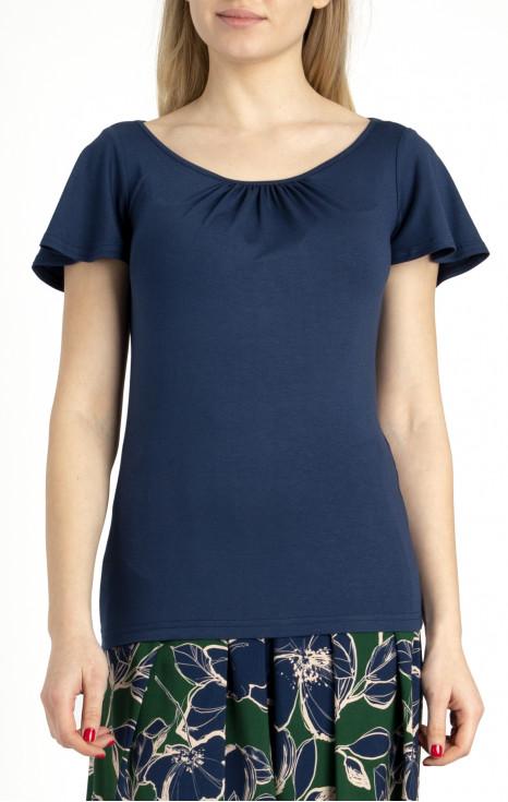Блуза с набор на деколтето