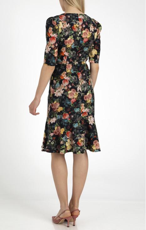 Елегантна рокля от луксозна материя с купро