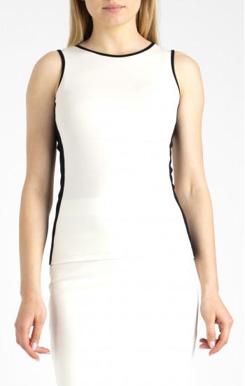 Блуза с втален силует от меко трико