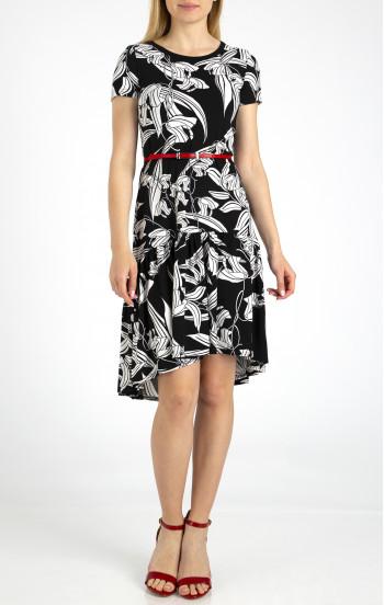 Елегантна рокля с волан от меко трико
